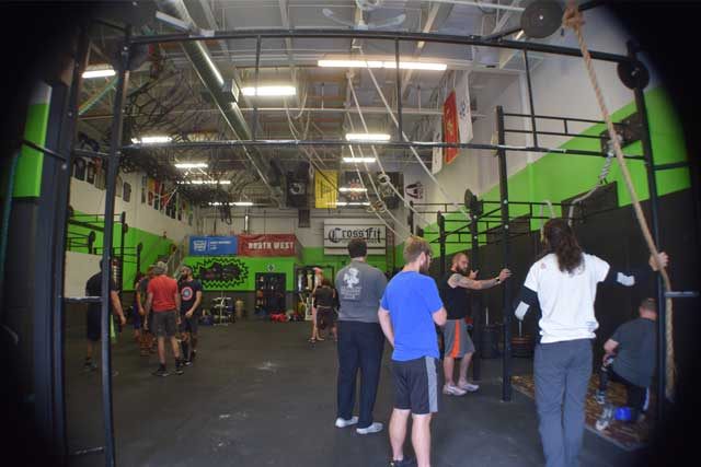 Lynnwood Crossfit gym entrance